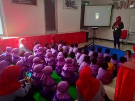 Kunjungan dari TK Pelangi Nusantara  Mojo Kediri.