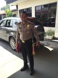 Polisi Ikut Bersuka Cita Saat Pergantian Tahun.