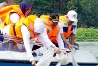 Gubernur Jatim: Pembuangan Popok Ke Sungai Menjadi Masalah Serius