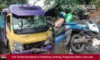 Hendak Mendahului, Truk Tabrak Pengendara Motor di Jombang