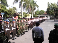 Ratusan Polisi Disiagakan Saat Natal Dan Tahun Baru.