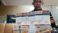 Bea Cukai Pasuruan 'Sikat' Para Pembuat Pita Cukai Rokok Palsu yang Rugikan Negara