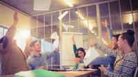 Mulai Karier di Kantor Baru? Ini 6 Trik Dekati Rekan Kerja