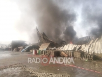 Kebakaran di Kawasan Maspion Kecamatan Manyar, Gresik