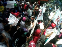 Ratusan PKL Kota Kediri Unjuk Rasa Kecam Kebijakan Walikota