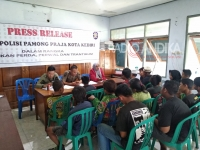 Satpol PP Kota Kediri, Tangkap 2 Anak Jalanan.