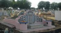 Setelah 2 Hari di tempat Persemayaman GIKI, Korban Airasia dimakamkan Di Pemakaman Cina Kelurahan Pojok