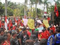 Ribuan Petani Kelud Demo Tuntut Penghapusan Hutang