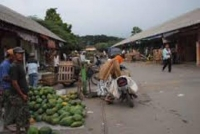 Ratusan Pedagang Pasar Pamenang Pare Terancam Kehilangan HGB