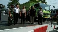 Polisi Jaga Jalur Rawan Laka dan Macet