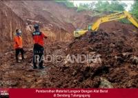 Pembersihan Material Longsor di Pagerwojo dan Sendang Tulungagung Selesai