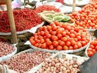 Tekan kenaikan harga bahan pokok jelang puasa dan lebaran, pemerintah provinsi jawa timur akan subsidi angkutan.