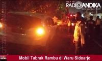 Kurang Hati-Hati, Mobil Tabrak Rambu di Waru Sidoarjo